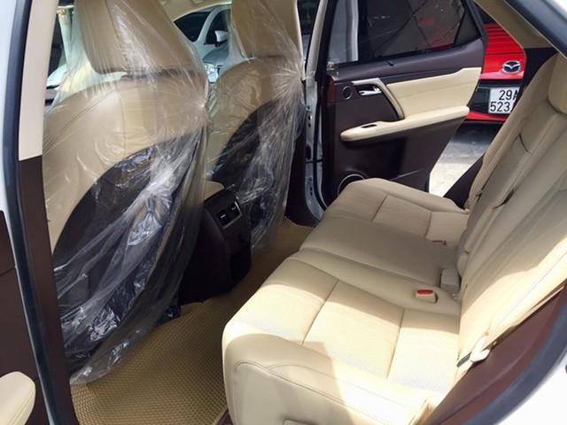 Lăn bánh 15.000km, Lexus RX 200t 2016 được rao bán lại giá ngang khi mua mới - Ảnh 11.