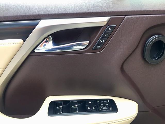 Lăn bánh 15.000km, Lexus RX 200t 2016 được rao bán lại giá ngang khi mua mới - Ảnh 8.