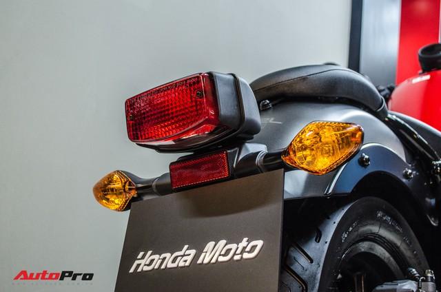 Giá cao hơn 55 triệu đồng, Honda Rebel 500 mới bán chính hãng có gì hơn Rebel 300? - Ảnh 9.