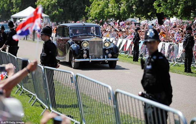 Những dòng xe được sử dụng trong đám cưới hoàng gia Anh - Ảnh 1.