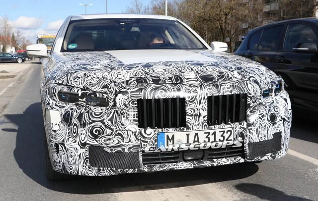 BMW 7-Series 2019 ra mắt cùng thời điểm 8-Series, X7 - Ảnh 1.