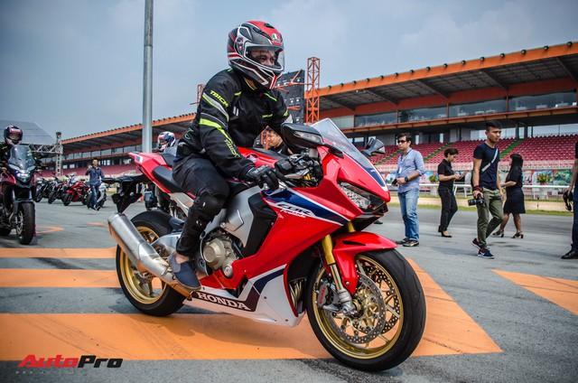 Honda CBR1000RR Fireblade SP chính hãng giá gần 680 triệu đồng cho biker Việt - Ảnh 3.