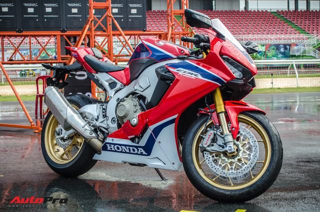 Honda CBR1000RR Fireblade SP chính hãng giá gần 680 triệu đồng cho biker Việt - Ảnh 5.