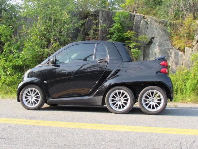 Xe nhỏ hơn cả Kia Morning cũng độ lên 6 bánh - Ảnh 1.