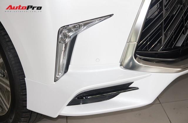 Khám phá chi tiết Lexus LX570 Super Sport 2018 giá gần 10 tỷ đồng tại Việt Nam - Ảnh 11.
