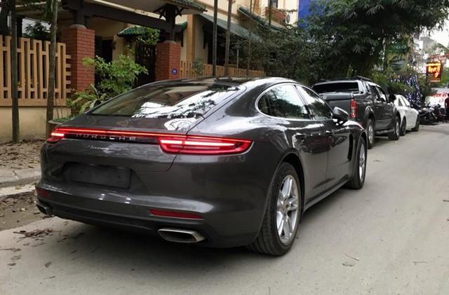 Điểm danh loạt xe sang và xe siêu sang của các đại gia Huế - Ảnh 23.
