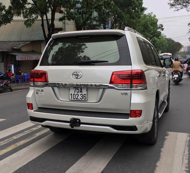 Điểm danh loạt xe sang và xe siêu sang của các đại gia Huế - Ảnh 6.