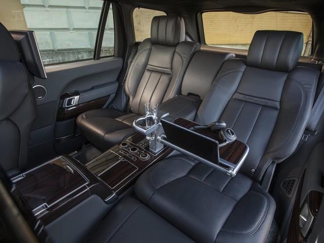 Không đủ tiền mua Rolls-Royce Cullinan thì đây là 5 lựa chọn rẻ hơn - Ảnh 2.