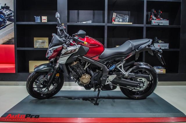 Honda CB650F giá 226 triệu đồng có gì để thuyết phục biker Việt? - Ảnh 10.