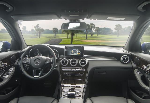 Ra mắt GLC 200 - Bản rẻ nhất trong dòng SUV bán chạy nhất của Mercedes-Benz Việt Nam - Ảnh 2.