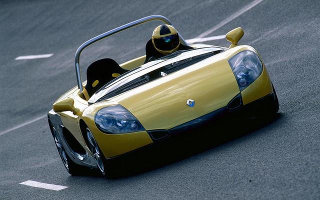 Không phải mui trần, đây là xe không mui, không kính chắn gió và phải dùng ô khi trời mưa - Ảnh 1.