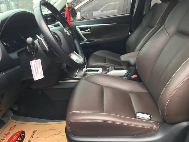 Hết hàng mới, Toyota Fortuner cũ bán chính hãng gần ngang ngửa giá lăn bánh xe chưa qua sử dụng - Ảnh 5.