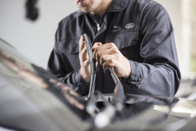 Jaguar Land Rover bán xe cũ chính hãng tại Việt Nam, kiểm tra 165 hạng mục và bảo hành như xe mới - Ảnh 2.