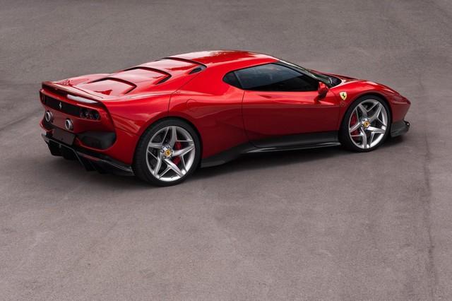 Ra mắt Ferrari SP38 - Siêu xe có 1-0-2 cho đại gia nhiều của lắm tiền - Ảnh 3.