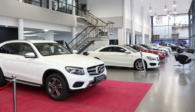 Cuộc đua đơn độc của Mercedes-Benz trên thị trường xe sang Việt Nam - Ảnh 3.