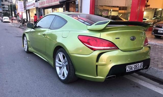 Xe thể thao bình dân Hyundai Genesis độ kiểu Aston Martin giá 485 triệu đồng - Ảnh 1.