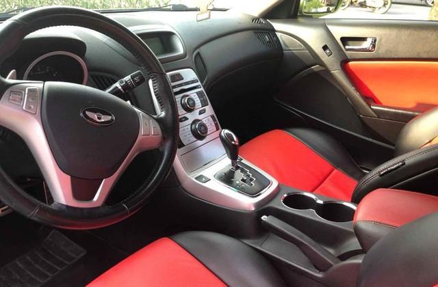 Xe thể thao bình dân Hyundai Genesis độ kiểu Aston Martin giá 485 triệu đồng - Ảnh 2.