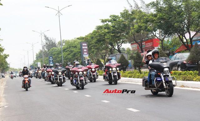 Hơn 100 xe Harley-Davidson bắt đầu khuấy động Đà Nẵng - Ảnh 10.