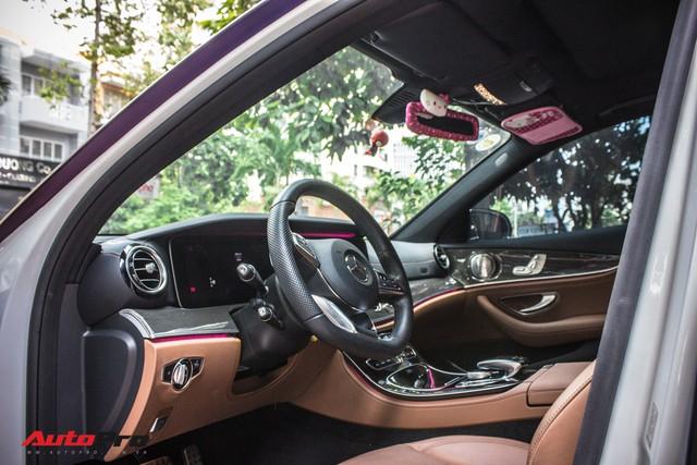 Fan nữ Hello Kitty tại Sài Gòn chi 40 triệu đồng biến Mercedes-Benz E300 AMG thành tắc kè hoa - Ảnh 12.