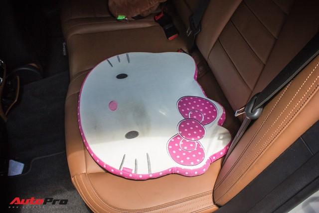 Fan nữ Hello Kitty tại Sài Gòn chi 40 triệu đồng biến Mercedes-Benz E300 AMG thành tắc kè hoa - Ảnh 4.