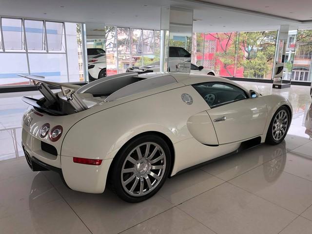 Nóng: Bugatti Veyron đổi màu trắng chính thức lộ diện, sắp về tay ông chủ cafe Trung Nguyên? - Ảnh 5.