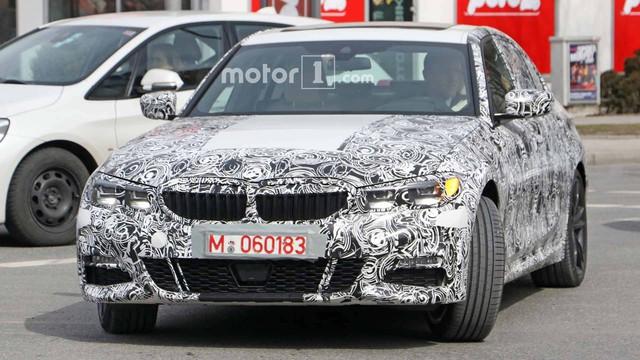 BMW 3-Series thế hệ mới lộ ảnh chạy thử, ngày ra mắt: Ngày càng giống 5-Series - Ảnh 3.