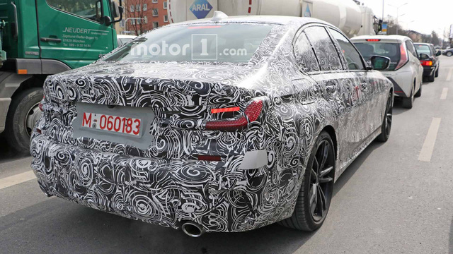 BMW 3-Series thế hệ mới lộ ảnh chạy thử, ngày ra mắt: Ngày càng giống 5-Series - Ảnh 6.