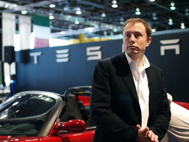 Elon Musk thành người giàu thứ 2 thế giới nhờ Tesla, vượt cả Bill Gates và chỉ đứng sau ông trùm Amazon - Ảnh 1.