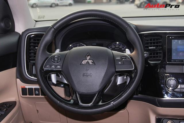Đánh giá Mitsubishi Outlander: Xe lắp ráp mang chất lượng xe nhập khẩu - Ảnh 15.