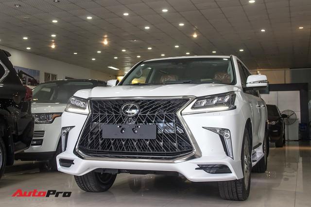 Những mẫu xe SUV hạng sang có tầm giá khoảng 10 tỷ đồng tại Việt Nam - Ảnh 1.
