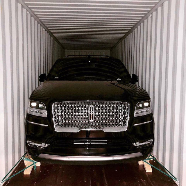 SUV hàng khủng Lincoln Navigator L Black Label có thể sớm cập bến Việt Nam - Ảnh 1.