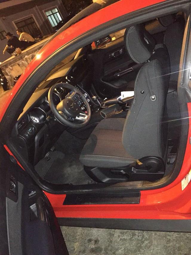 Ford Mustang 2018 đầu tiên về Việt Nam, giá trên 2 tỷ đồng - Ảnh 7.