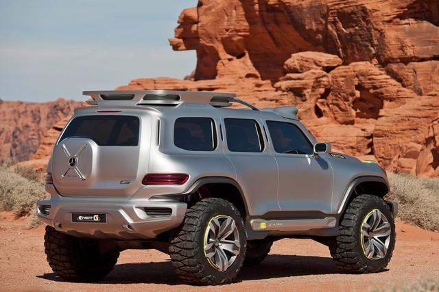 SUV nhỏ hơn Mercedes-Benz GLC lộ diện tại đại lý trước khi ra mắt  - Ảnh 1.