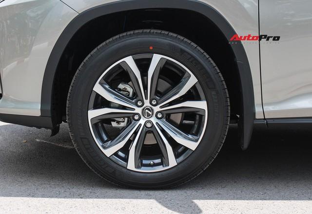 Lexus RX 350L 2018 bản 7 chỗ đầu tiên về Việt Nam, giá gần 4,9 tỷ đồng - Ảnh 15.