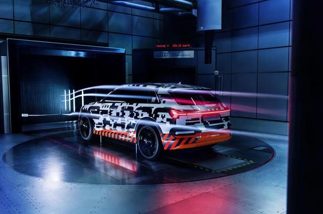 Audi E-Tron - SUV đầu tiên sử dụng gương bên ảo - Ảnh 2.