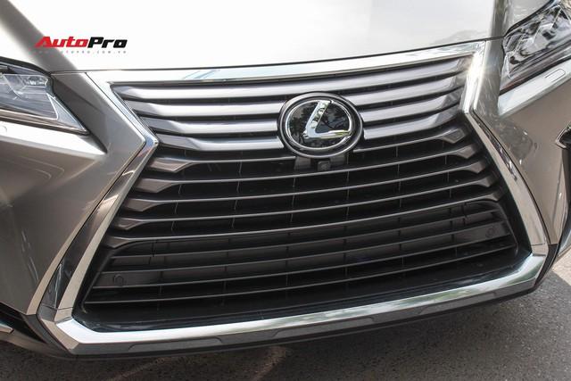 Đánh giá nhanh Lexus RX 350L: Bỏ thêm 1 tỷ đồng nhận được thêm gì so với bản tiêu chuẩn? - Ảnh 15.
