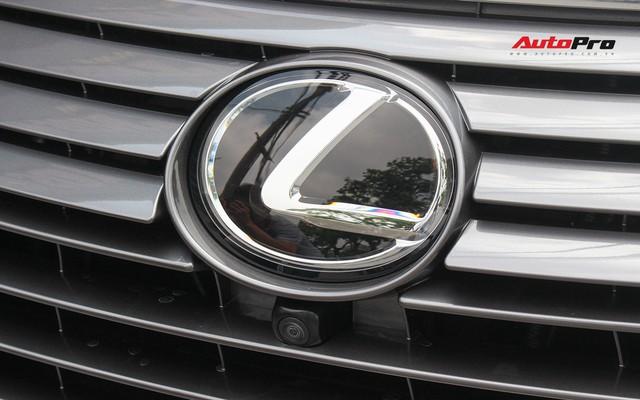 Đánh giá nhanh Lexus RX 350L: Bỏ thêm 1 tỷ đồng nhận được thêm gì so với bản tiêu chuẩn? - Ảnh 16.