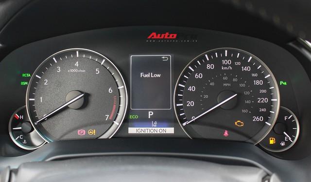 Đánh giá nhanh Lexus RX 350L: Bỏ thêm 1 tỷ đồng nhận được thêm gì so với bản tiêu chuẩn? - Ảnh 23.