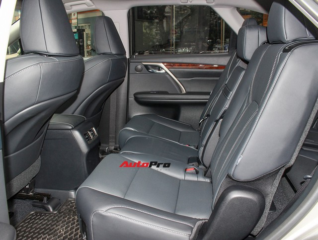 Đánh giá nhanh Lexus RX 350L: Bỏ thêm 1 tỷ đồng nhận được thêm gì so với bản tiêu chuẩn? - Ảnh 11.