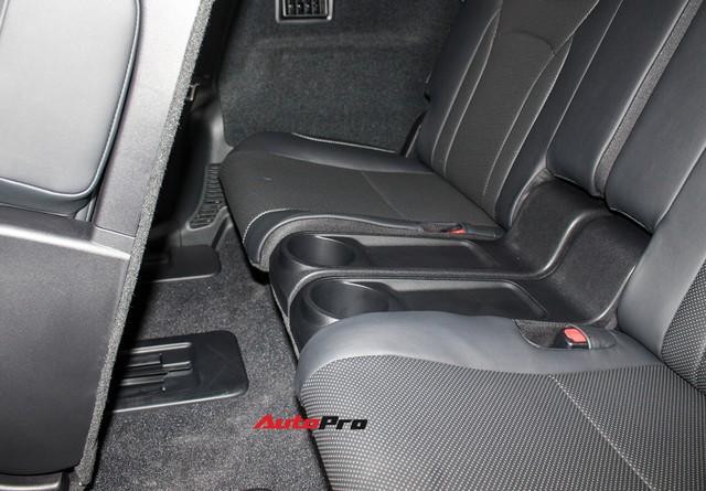 Đánh giá nhanh Lexus RX 350L: Bỏ thêm 1 tỷ đồng nhận được thêm gì so với bản tiêu chuẩn? - Ảnh 7.
