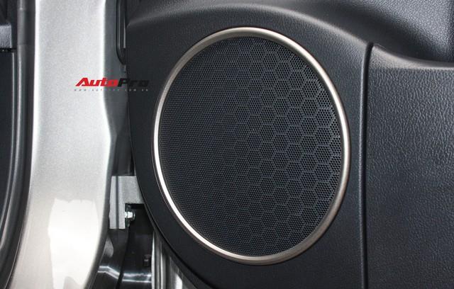 Đánh giá nhanh Lexus RX 350L: Bỏ thêm 1 tỷ đồng nhận được thêm gì so với bản tiêu chuẩn? - Ảnh 30.