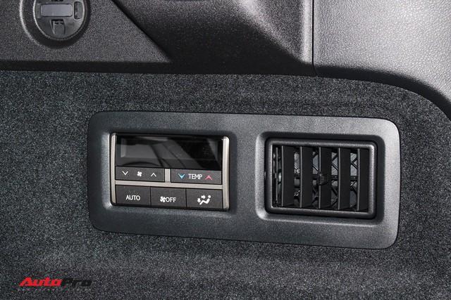 Đánh giá nhanh Lexus RX 350L: Bỏ thêm 1 tỷ đồng nhận được thêm gì so với bản tiêu chuẩn? - Ảnh 8.