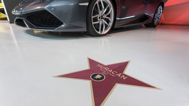 Đại lộ danh vọng dành cho siêu xe Lamborghini từng xuất hiện trên màn ảnh Hollywood - Ảnh 1.