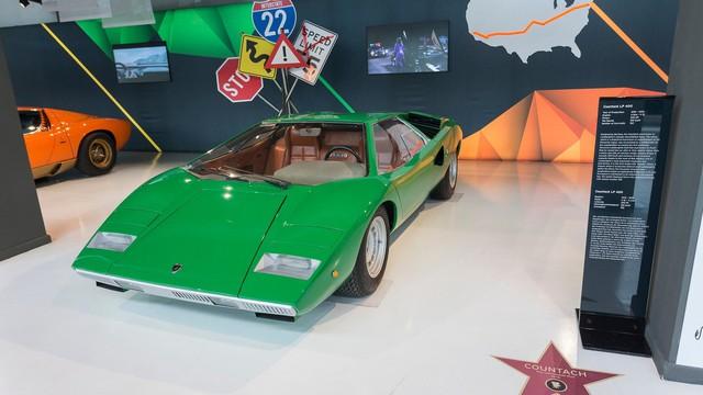 Đại lộ danh vọng dành cho siêu xe Lamborghini từng xuất hiện trên màn ảnh Hollywood - Ảnh 4.