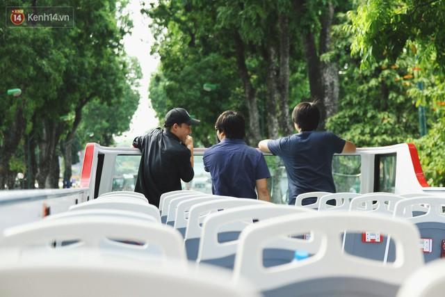 Trải nghiệm xe buýt 2 tầng mui trần ngắm Thủ đô Hà Nội từ trên cao: 300.000 đồng cho một vé liệu có đáng? - Ảnh 11.