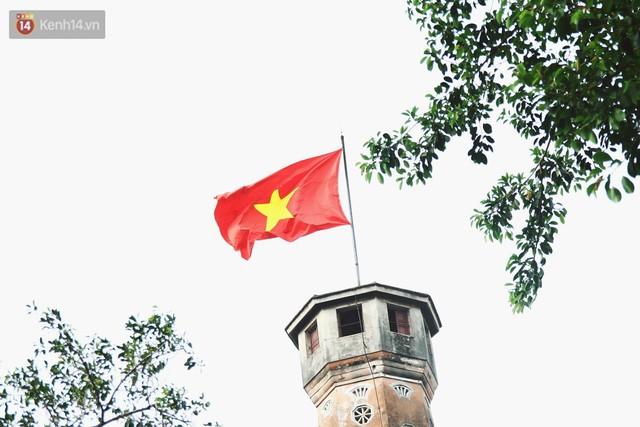 Trải nghiệm xe buýt 2 tầng mui trần ngắm Thủ đô Hà Nội từ trên cao: 300.000 đồng cho một vé liệu có đáng? - Ảnh 14.