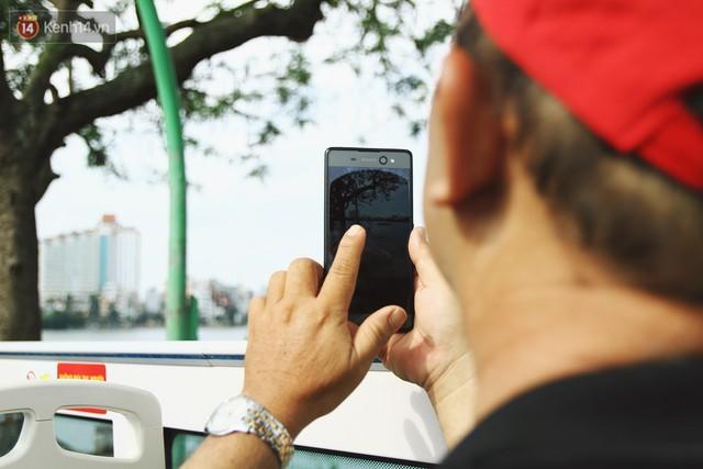 Trải nghiệm xe buýt 2 tầng mui trần ngắm Thủ đô Hà Nội từ trên cao: 300.000 đồng cho một vé liệu có đáng? - Ảnh 16.