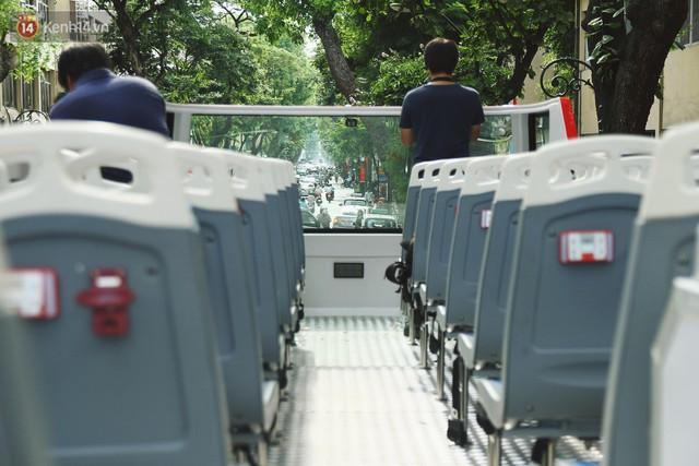 Trải nghiệm xe buýt 2 tầng mui trần ngắm Thủ đô Hà Nội từ trên cao: 300.000 đồng cho một vé liệu có đáng? - Ảnh 3.