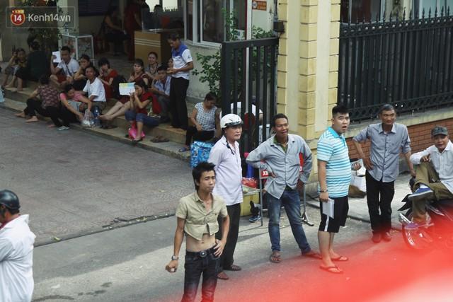 Trải nghiệm xe buýt 2 tầng mui trần ngắm Thủ đô Hà Nội từ trên cao: 300.000 đồng cho một vé liệu có đáng? - Ảnh 8.
