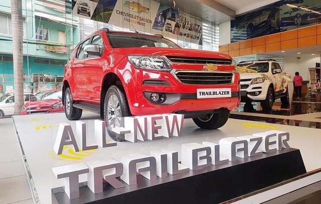 Đối thủ khan hàng, Chevrolet Trailblazer ồ ạt về đại lý toàn quốc, giảm giá 80 triệu đồng - Ảnh 1.